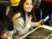 online Jugendbeteiligung mit Smartphone und Laptops und dem paowao-System